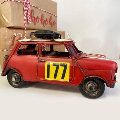 coche de hojalata vintage